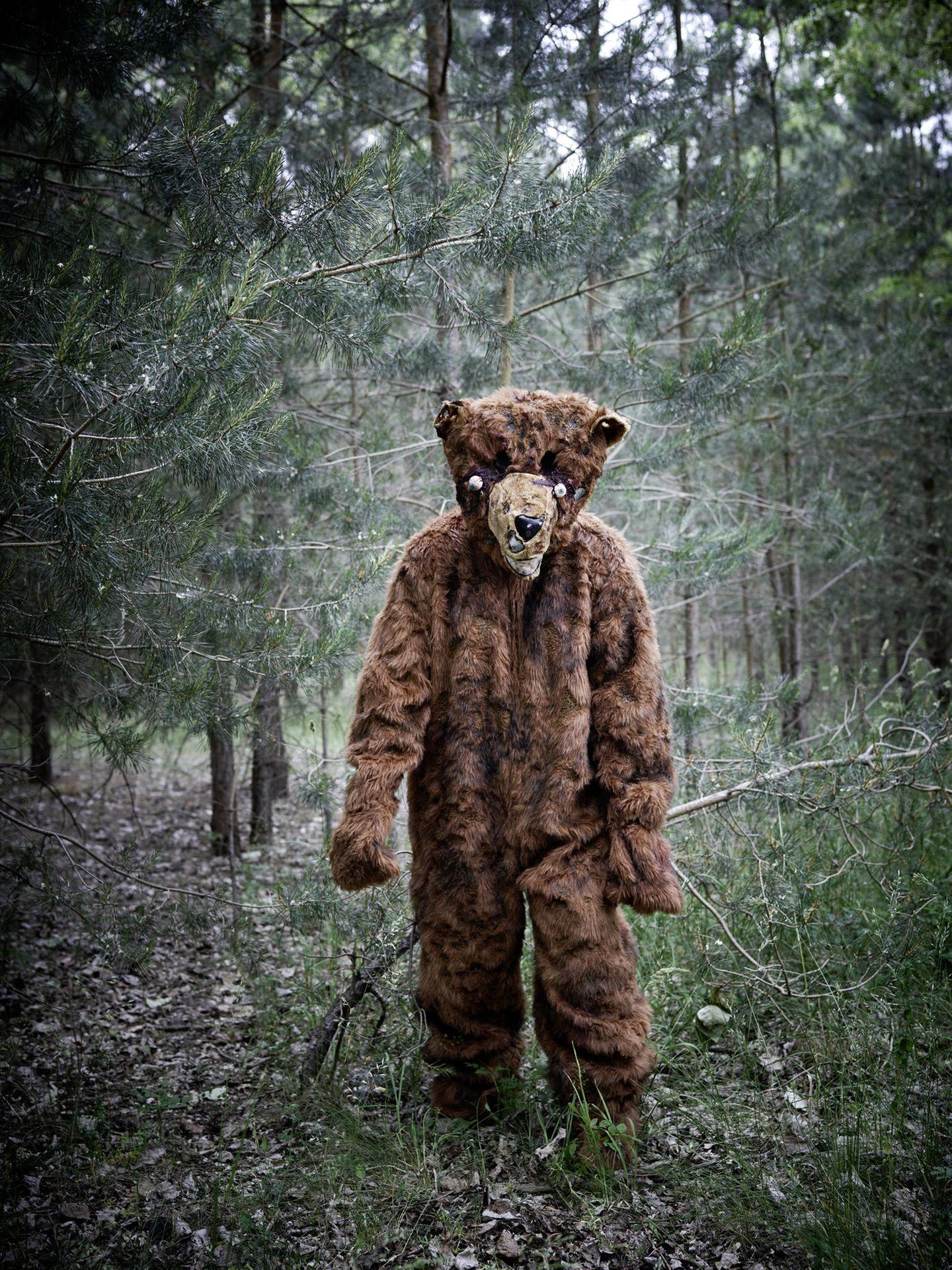 """""""Teddy"""" – Problembär. In diesem Kostüm verbirgt sich eine eher schüchterne Elisabeth, die auch im echten Leben interessante Sachen macht. Sie hat Informatik studiert und radelt gerade von Deutschland in den Iran"""