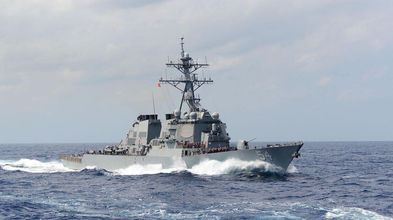 """Die Zerstörter der Arleigh-Burke-Klasse sind das Arbeitspferd der US-Marine. Sie sind die """"kleinsten"""" Schiffe der US-Navy , die mit weitreichenden Lenkwaffen ausgerüstet sind.  Die spektakulären Havarien im Jahr 2017 haben offenbar nichts mit technischen Mängel zu tun. Sie sind auf Fehler der Besatzung zurückzuführen.  Lesen Sie:    USS Fitzgerald und John S. McCain - Chaos und Inkompetenz an Bord - darum verunglückten die US-Zerstörer"""