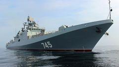 """Die """"Admiral Grigorowitsch"""" basiert auf der akten Kriwak-Klasse und ist der aktuelle Fregattentyp-Russlands. Das erste Schiff wurde 2013 gebaut und beteiligte sich am russischen Syrien-Einsatz. Es wird erwartet, dass Russland zwölf Schiffe des Typs bauen wird.  Die Fregatte gehört auch zum Export-Programm des Kreml. Indien hat einen Kaufvertrag unterzeichnet."""