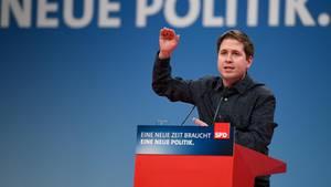 """Kevin Kühnert bei seiner Rede auf dem SPD-Parteitag: """"Bitte stimmt mit Nein"""""""