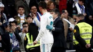 Cristiano Ronaldo checkt seine Kopfverletzung mit der Smartphone-Frontkamera