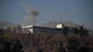 Rauch über dem Hotel Intercontinental in Kabul