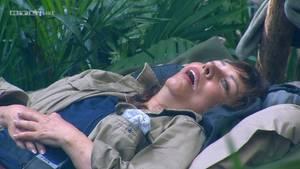 Tina York döst im Dschungelcamp