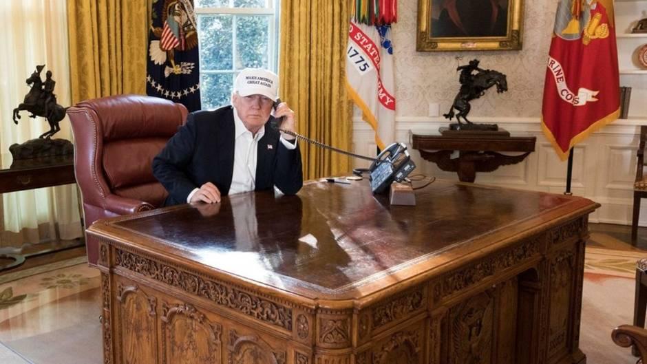 PR-Foto zur Haushaltssperre: Trump arbeitet richtig hart - doch das nimmt ihm niemand ab