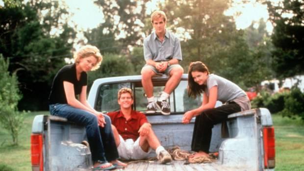 """Die Hauptdarsteller der Serie """"Dawson's Creek"""" auf einem Promo-Bild"""
