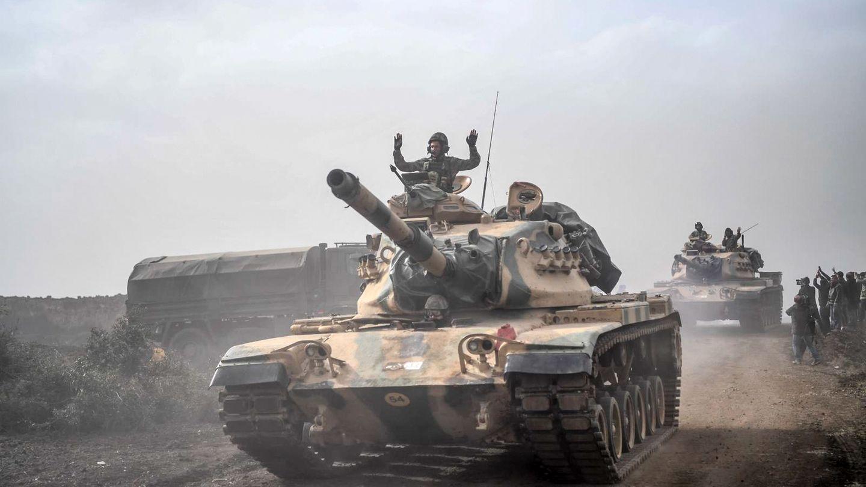 Türkischer Panzer an der Grenze zu Syrien