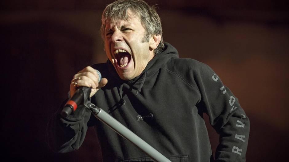 Paul Bruce Dickinson: Iron-Maiden-Sänger rät von