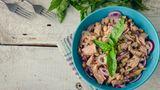 Thunfischsalat  Schmeckt zwar lecker, der Salat könnte aber zur Geruchsbelästigung führen ...