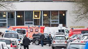 An einer Gesamtschule in Lünen hat 15-Jähriger nach eigenen Angaben einen 14-jährigen Mitschüler erstochen