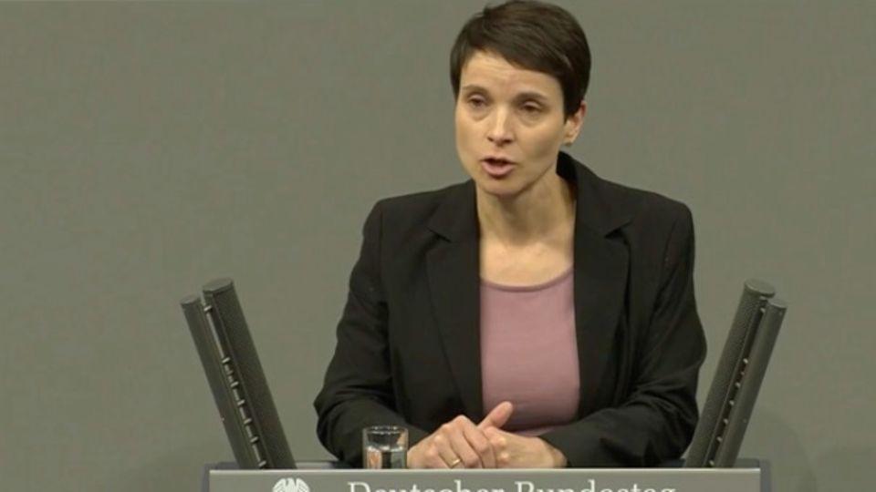 Fraktionslos im Bundestag: Politik aus der letzten Reihe: So ergeht es Frauke Petry im Bundestag