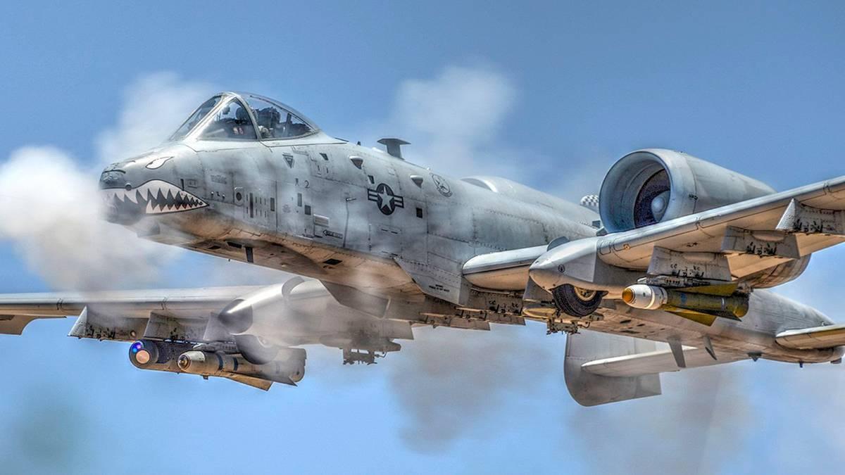 Erkampflugzeug Warthog - die Fairchild-Republic A-10 ...