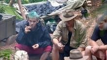 Daniele Negroni (l.) und David Friedrich, Ansgar Brinkmann im Dschungelcamp