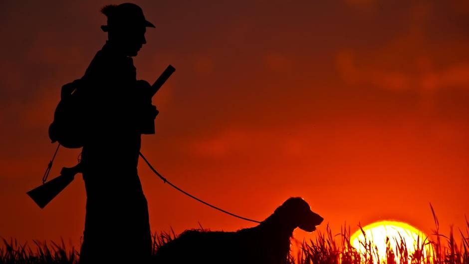 Russland - Jäger - Jagdhund - Schuss