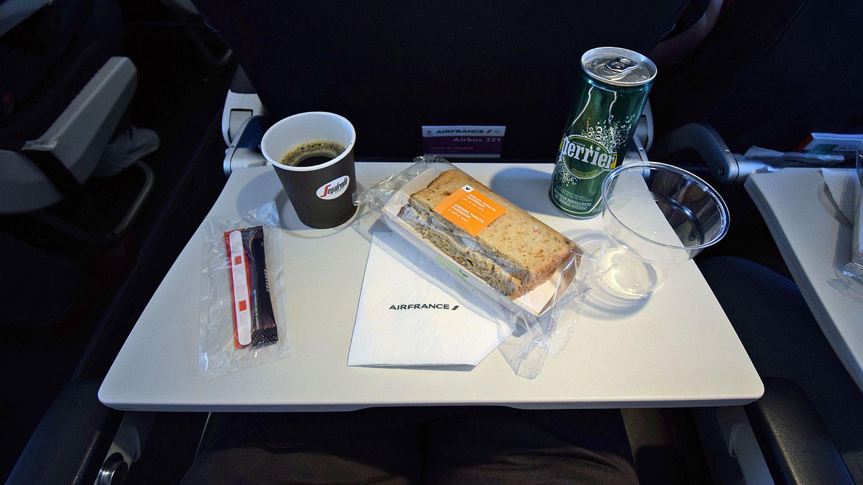 Air France, Economy Class: Barcelona - Paris