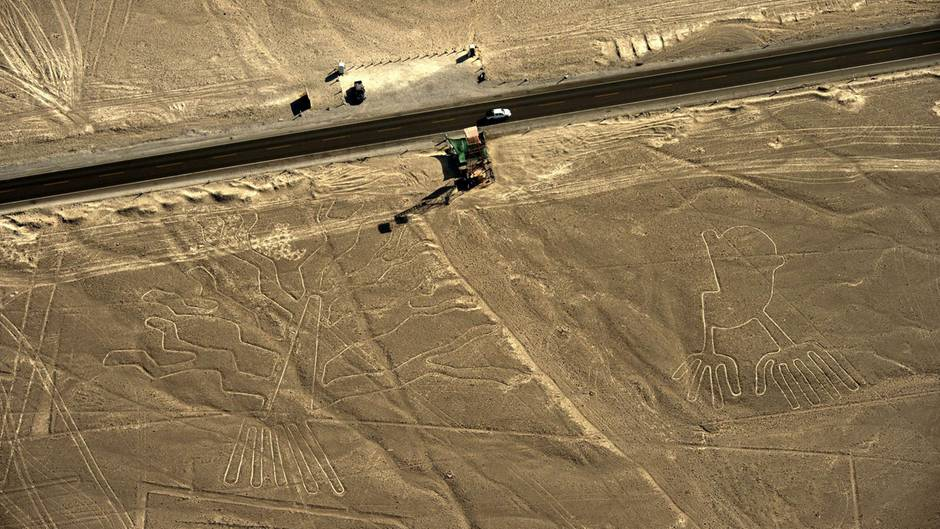 Lastwagen beschädigt weltberühmte Nazca-Linien in Peru