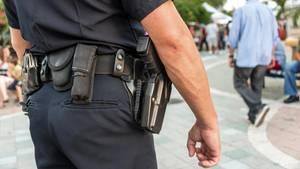 In Baltimore stehen Polizisten vor Gericht, weil sie Schussopfern Spielzeugwaffen unterjubelten