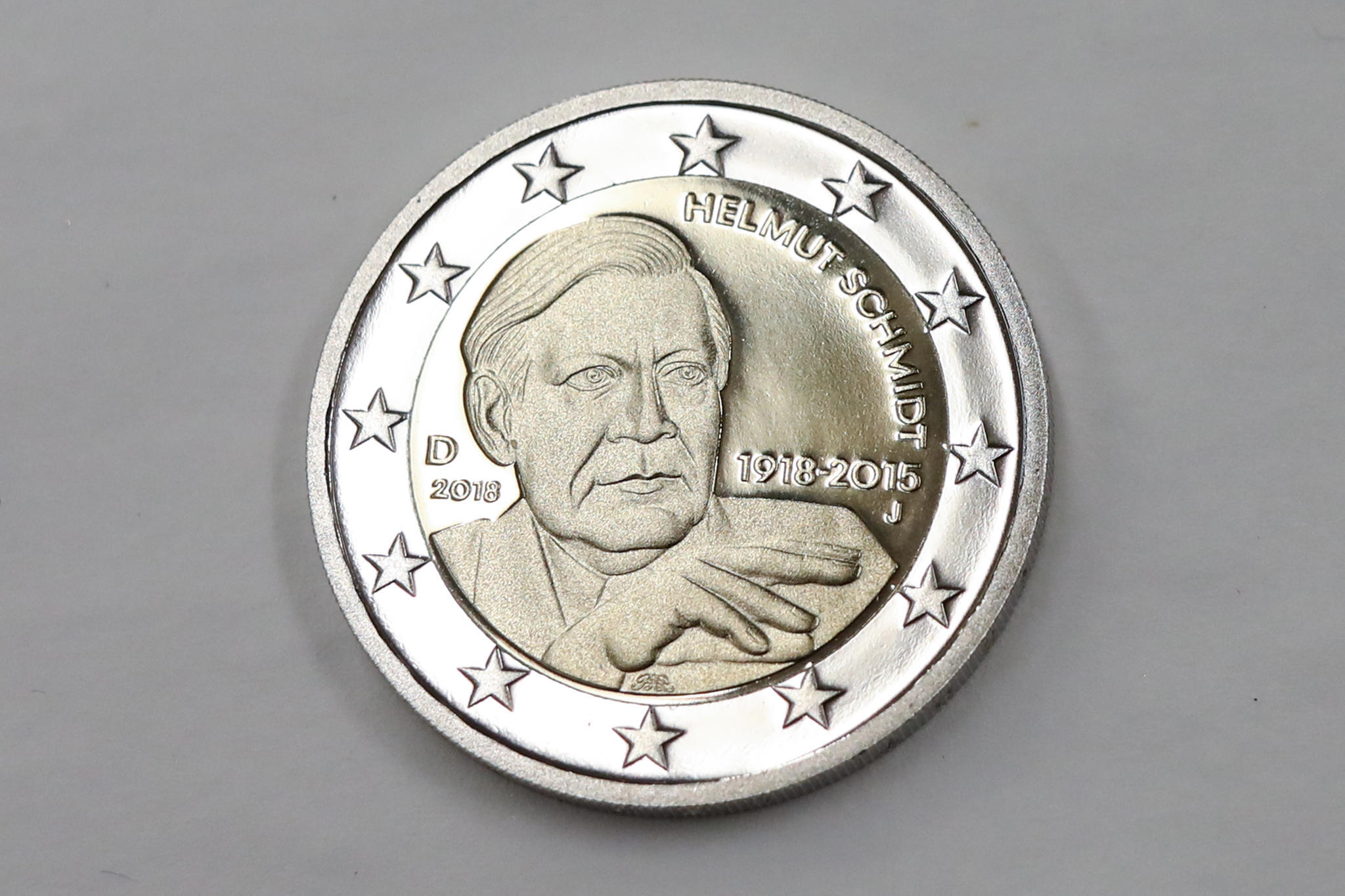 Helmut Schmidt Auf Seiner Zwei Euro Münze Fehlt Die Zigarette