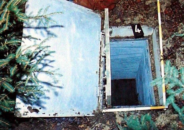 In dieser im Boden eingelassenen Kiste stirbt Ursula Herrmann 1981, wenige Stunden nach ihrer Entführung