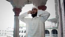Muezzin beim Gebetsruf