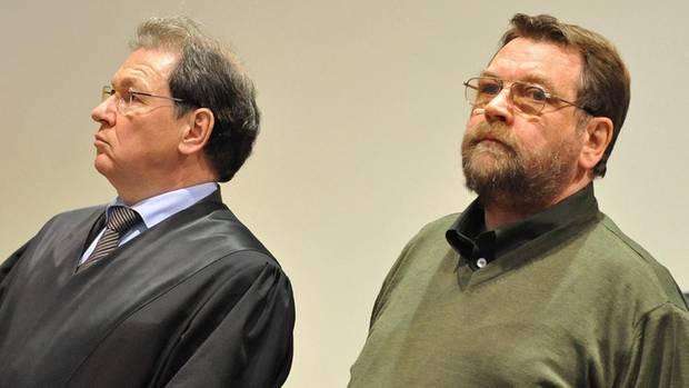 Werner Mazurek (r.) wird 2010 wegen erpresserischen Menschenraubes mit Todesfolge zu lebenslanger Haft verurteilt