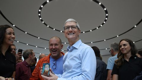 Tim Cook iPhone X Jonathan Ive Apple