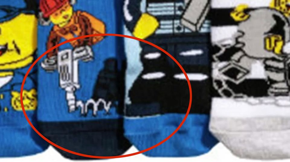 Pikantes Detail: H&M muss Socken zurückrufen