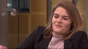 Hazel Brugger sieht bei der Heute Show alles andere als glücklich aus