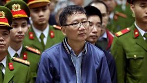 Trinh Xuan Tanh, der mutmaßlich entführte Geschäftsmann aus Berlin, im Gerichtssaal in Hanoi, Vietnam.