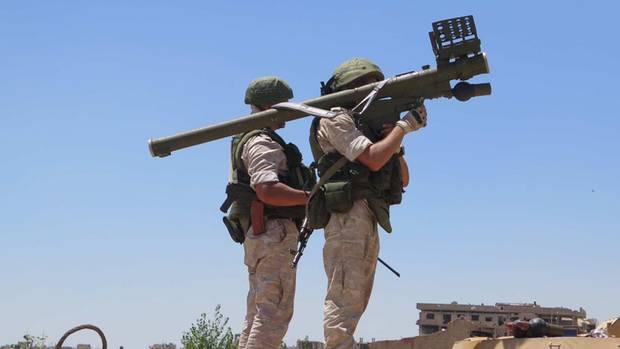 Russische Sodaten mit einer 9K333 Verba in Syrien-