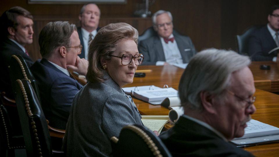 """In ihrem neuen Film """"Die Verlegerin"""" (Kinostart: 22.02.) muss sich Streep gegen eine Herrenriege behaupten"""