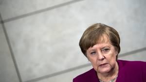 Kanzlerin Angela Merkel muss sich viel Kritik dafür gefallen lassen, dass die SPD das Finanzministerium bekommt. Sie versucht, die Bedenken zu zerstreuen.