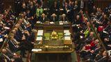 Vor allem mittwochs um zwölf wird es eng, wenn die Premierministerin die Fragen der Opposition beantwortet