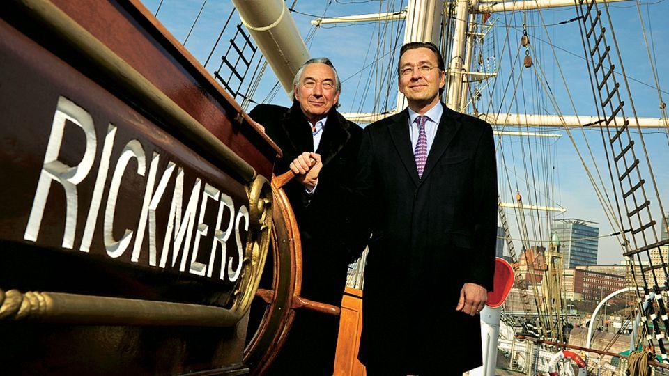 Ende einer Tradition: Die Hamburger Brüder Bertram und Erck Rickmers (r.) verkauften ihre Schifffahrtsfirmen an Zech – einen Bremer