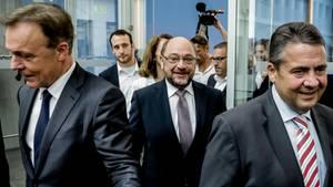 Thomas Opperman,, Martin Schulz und Sigmar Gabriel. Auf diesem Foto von Ende Juni lächeln sie noch