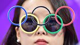 Klassiker: Die Olympia-Brille darf niemals fehlen, niemals!
