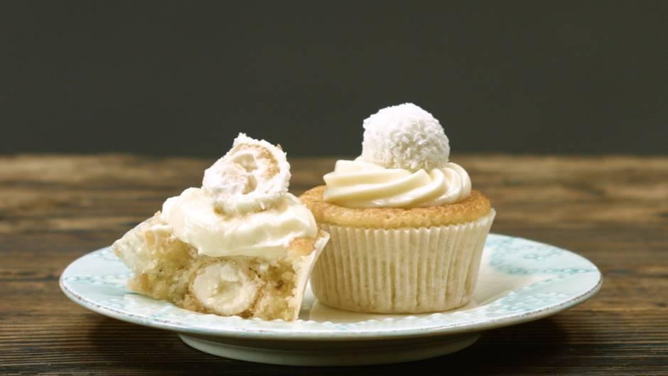 Traum in Kokos: Diese Raffaello-Cupcakes sind einfach himmlisch