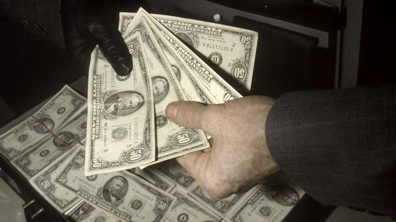 Ein Koffer voller US-Dollar (Symbolbild)