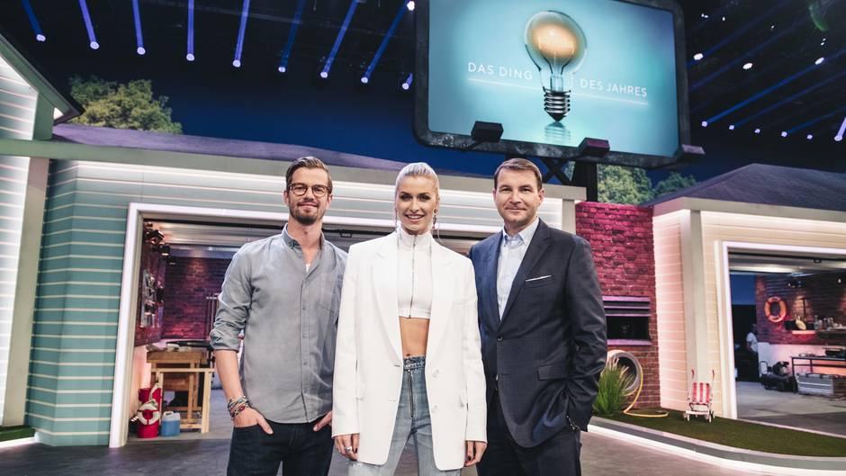 """Kompetenz-Team: """": (v.l.n.r.) Joko Winterscheidt, Lena Gercke und REWE-Einkaufschef Hans-Jürgen Moog."""
