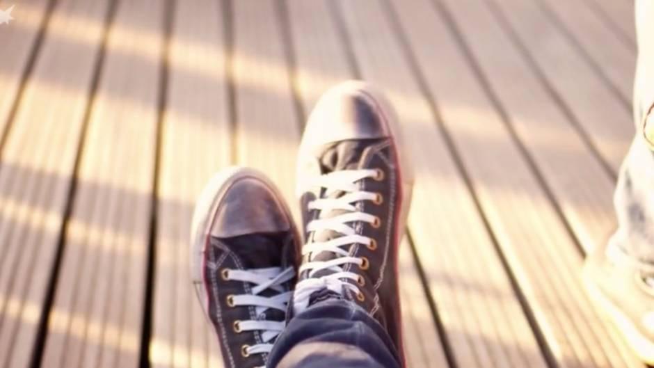 Alltagsfrage Was Hilft Wirklich Gegen Quietschende Schuhe Neon