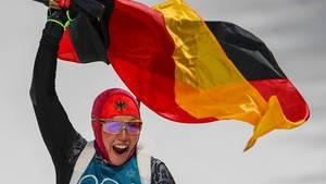 Laura Dahlmeier jubelt über ihr zweites Olympia-Gold beim Biathlon in Pyeongchang