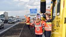 Nachrichten aus Deutschland: Gaffer-Unfall auf der A5