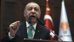 Recep Tayyip Erdogan, Staatspräsident der Türkei, spricht vor Parteimitgliedern