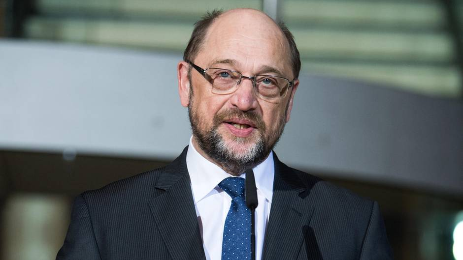 PD-Chef Martin Schulz gibt im Willy-Brandt-Haus in Berlin seinen sofortigen Rücktritt bekannt