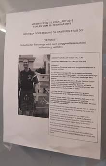 Bei der Suche nach Liam Colgan hängten Freunde Plakate in Hamburg auf