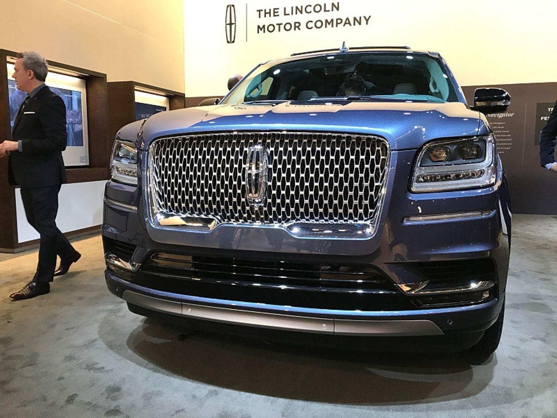 Lincoln Navigator Mächtig, protzig und gewaltig - der fetteste SUV