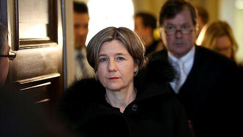 Maike Kohl-Richter und ihr Anwalt Thomas Hermes im Oberlandesgericht: Zwei Stunden warteten sie auf ihre Kontrahenten.