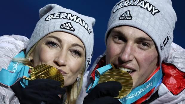 Aljona Savchenko und Bruno Massot - macht das Goldpaar doch weiter