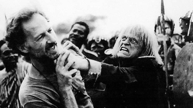 """Werner Herzog und Klaus Kinski beim Dreh von """"Cobra Verde"""" (1987)"""