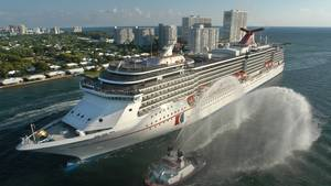 """An Bord der """"Carnival Legend"""" kam es vor der Küste Australiens zur Massenschlägerei. Hier das Schiff der Reederei Carnival Cruises bei der Einfahrt in den Hafen von Miami."""