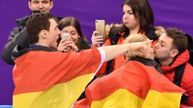 Olympia Reichlich Jubel in schwarz-rot-gold in Pyeongchang